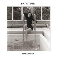 Sofia, Maija: Bath Time